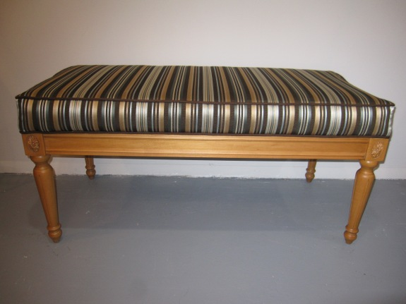 Ethan Allen Upholstered Bench, Fluted Legs